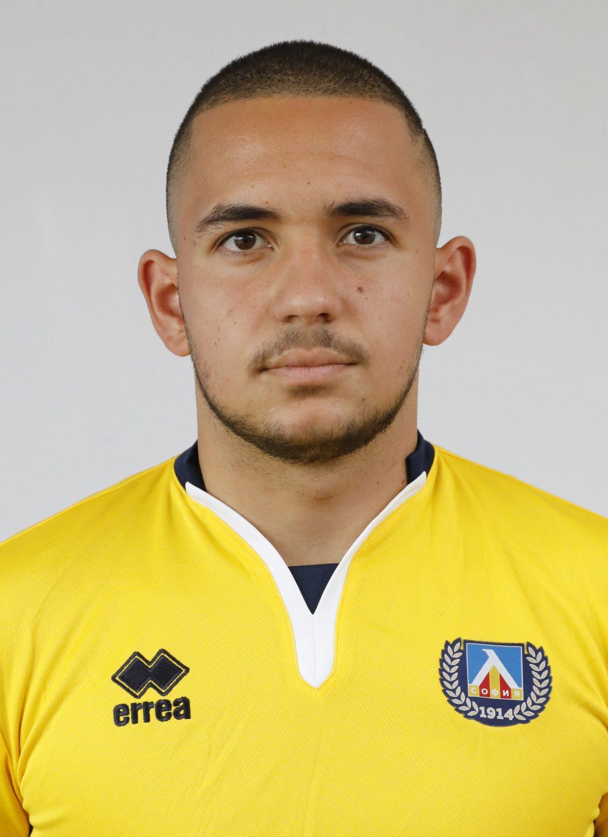 Янис Ставрев